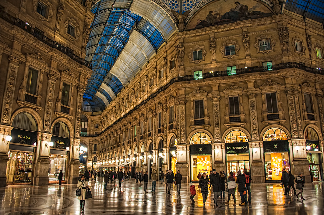 galleria-vittorio-emanuele-ii-night-time